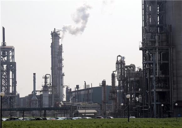 Petrokemija se usredotočuje na glavni posao