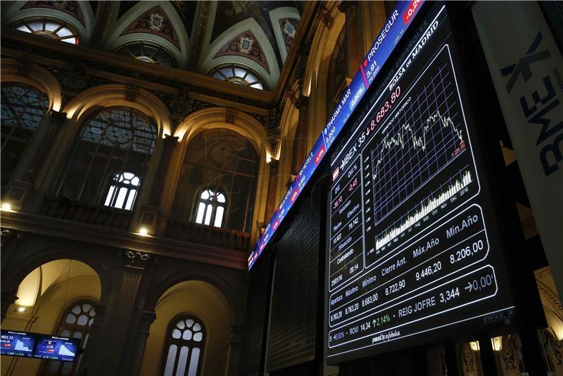Financijski sektor pritisnuo svjetske burze